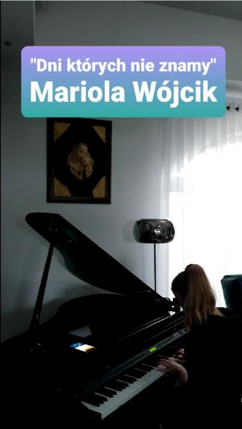 Mariola Wojcik 7d gra na fortepianie