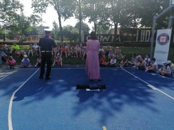 Policjant i dzieci
